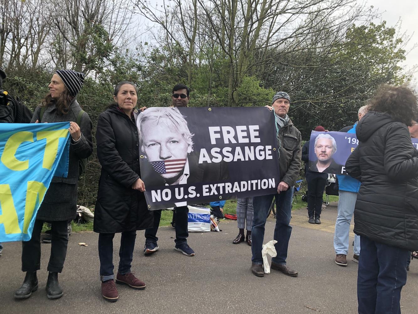 assange-protests.jpg