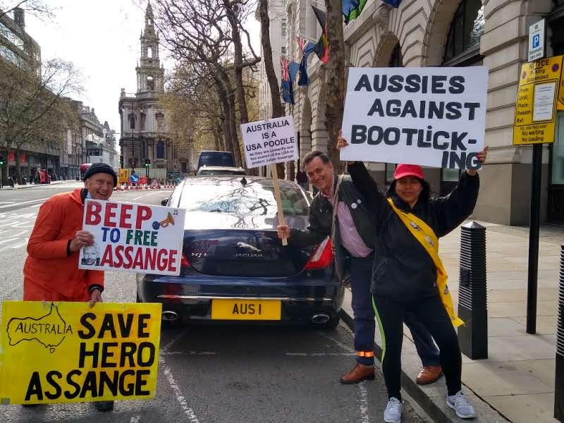 protest_photos:austcar.jpg