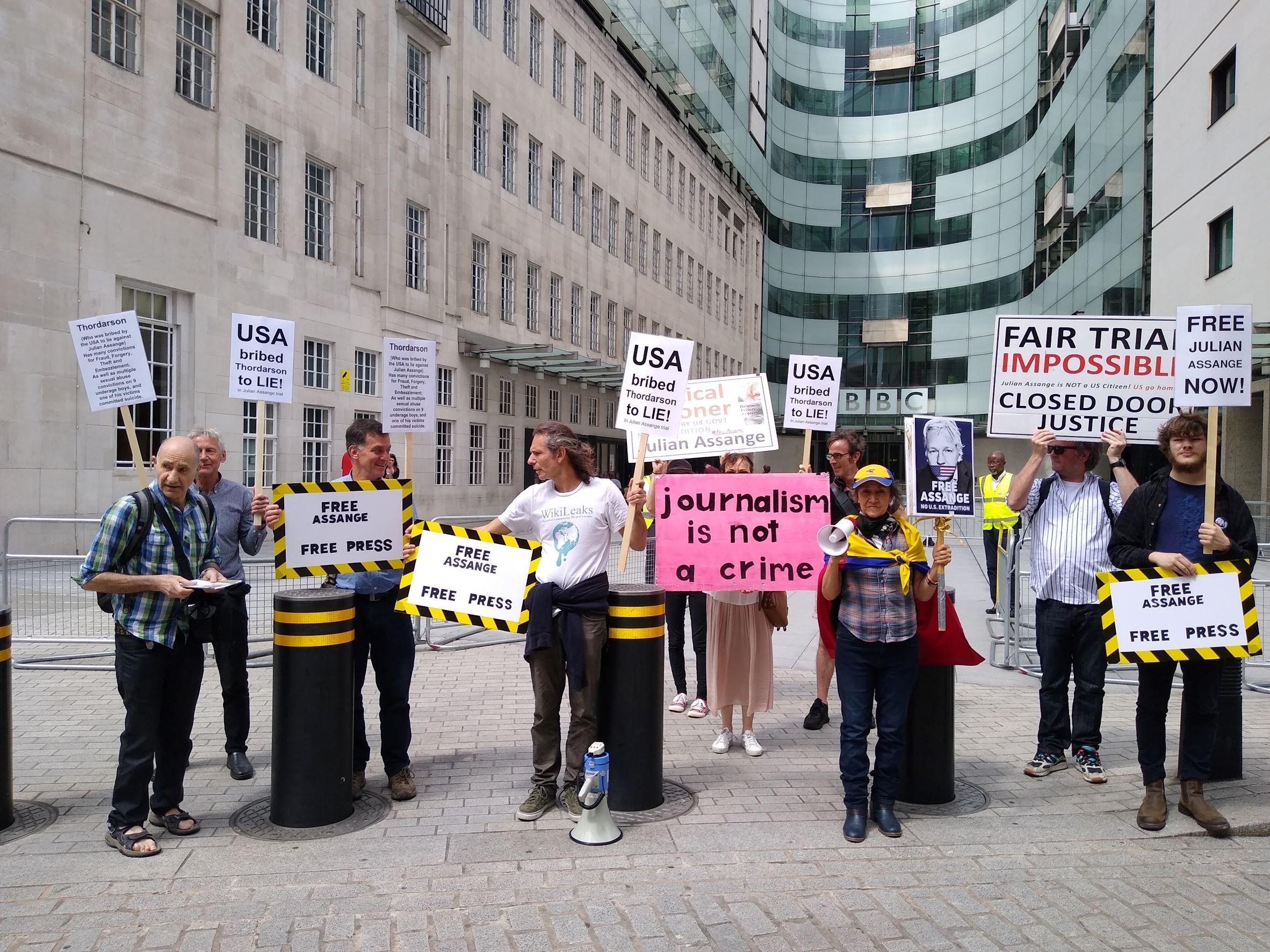 protest_photos:bbc.jpg
