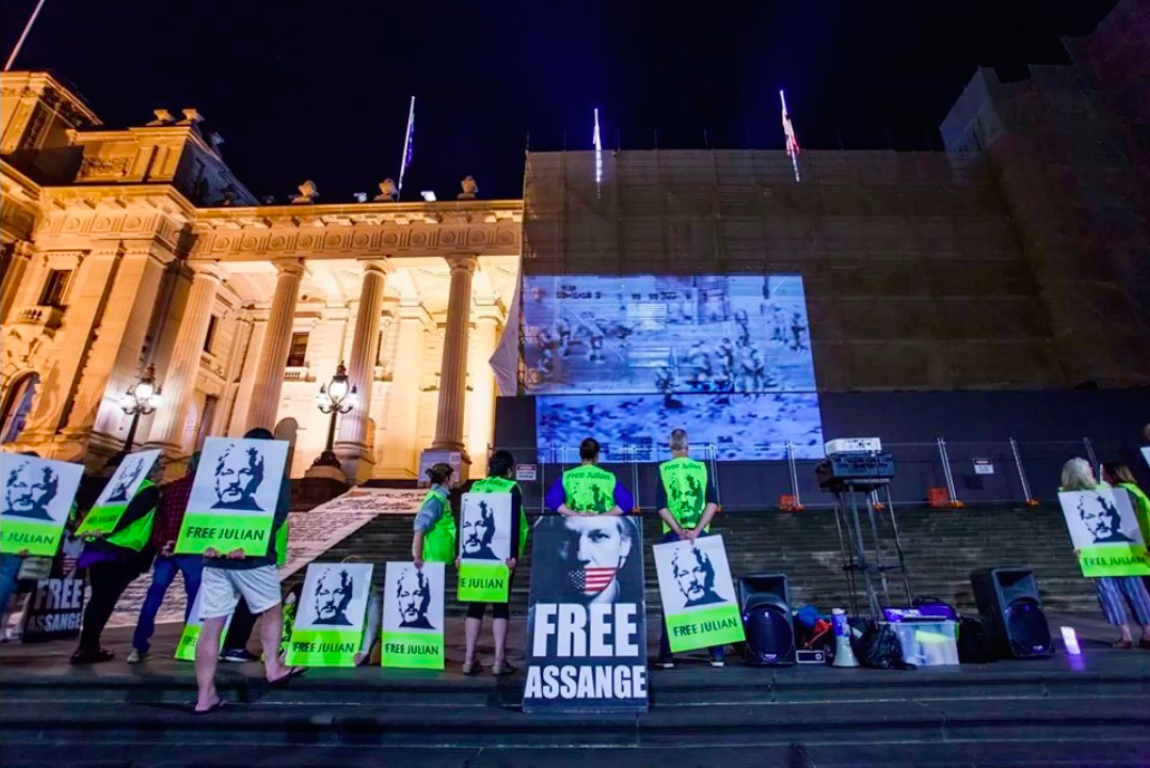 protest_photos:berlin-projection.png