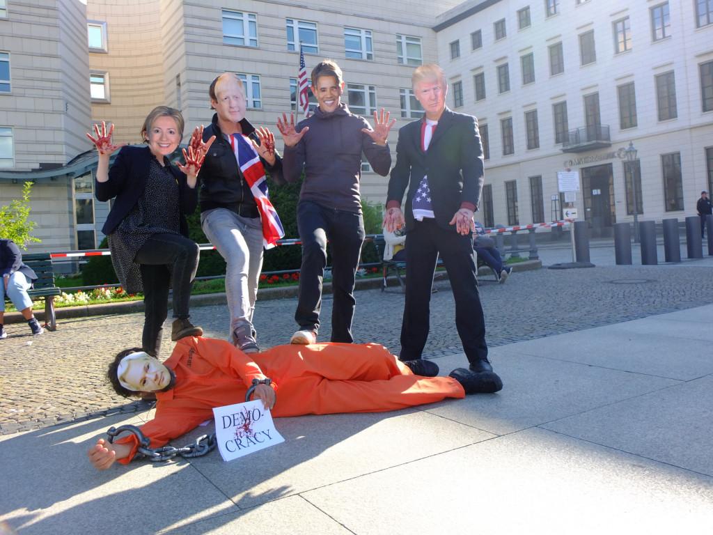 bloody-criminals-us-embassy-berlin-7sept20.jpg
