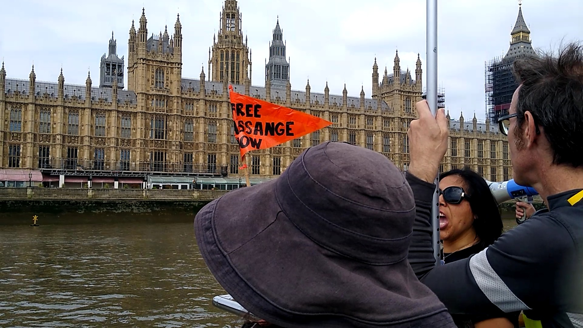 protest_photos:boatwestminster.jpg