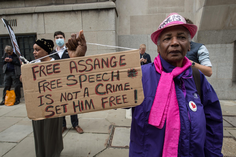 free-speech-not-a-crime-old_bailey-7sept20.jpg