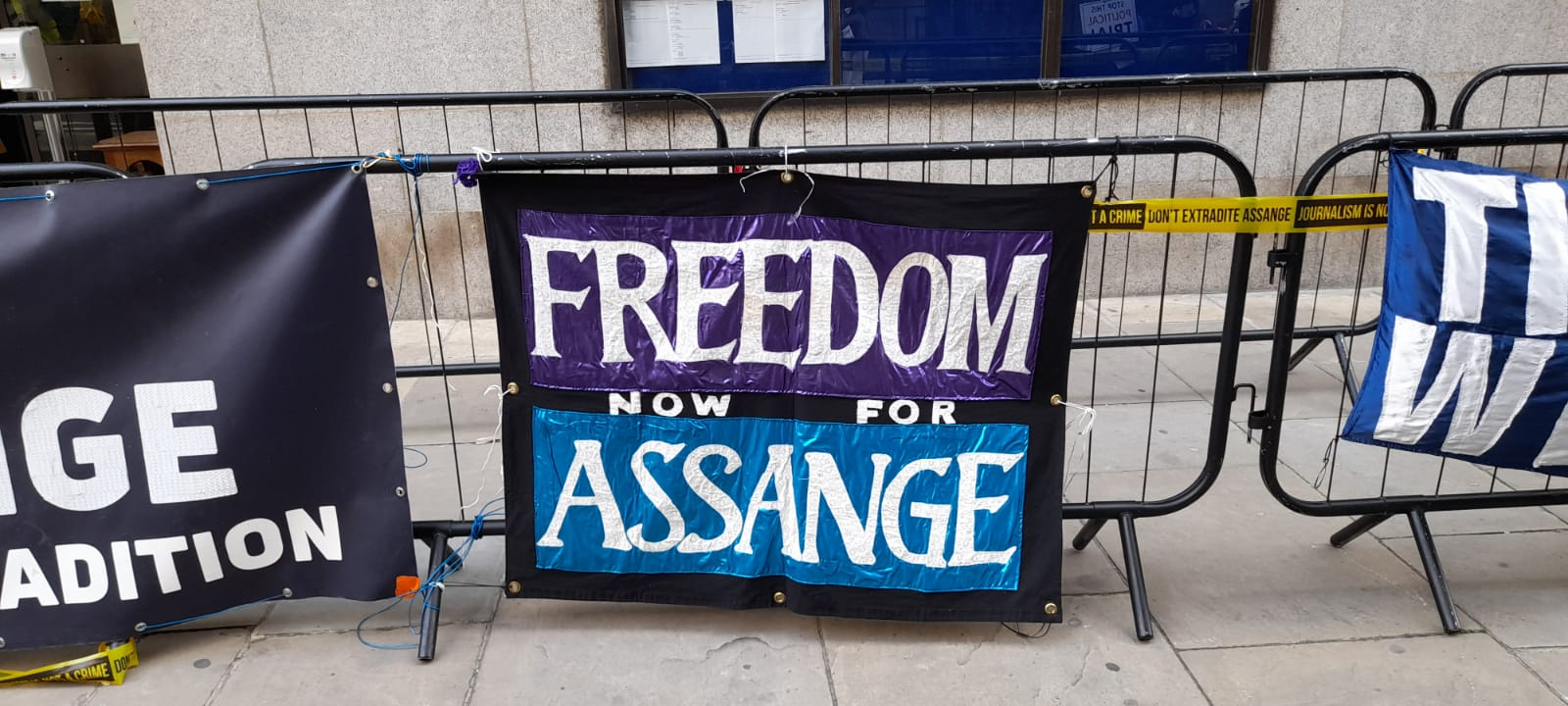 freedom-now-banner-old-bailey-sept20.jpg