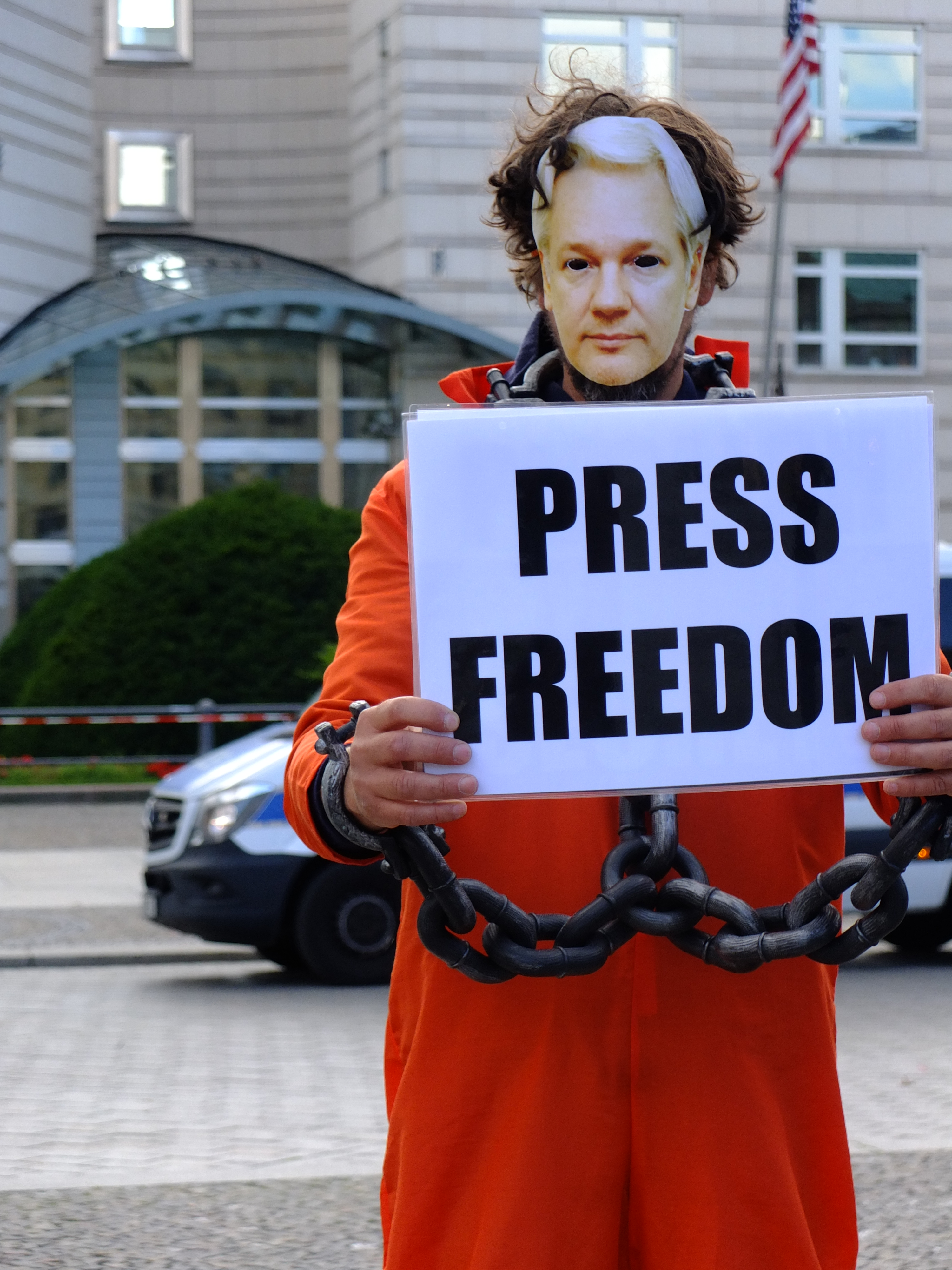 protest_photos:press-freedom-us-embassy-berlin-7sept20.jpg