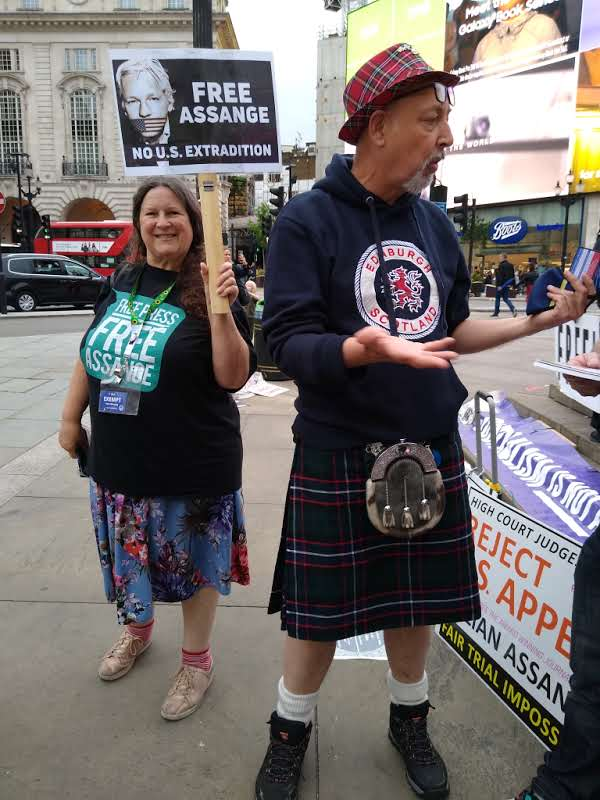 protest_photos:scots.jpg