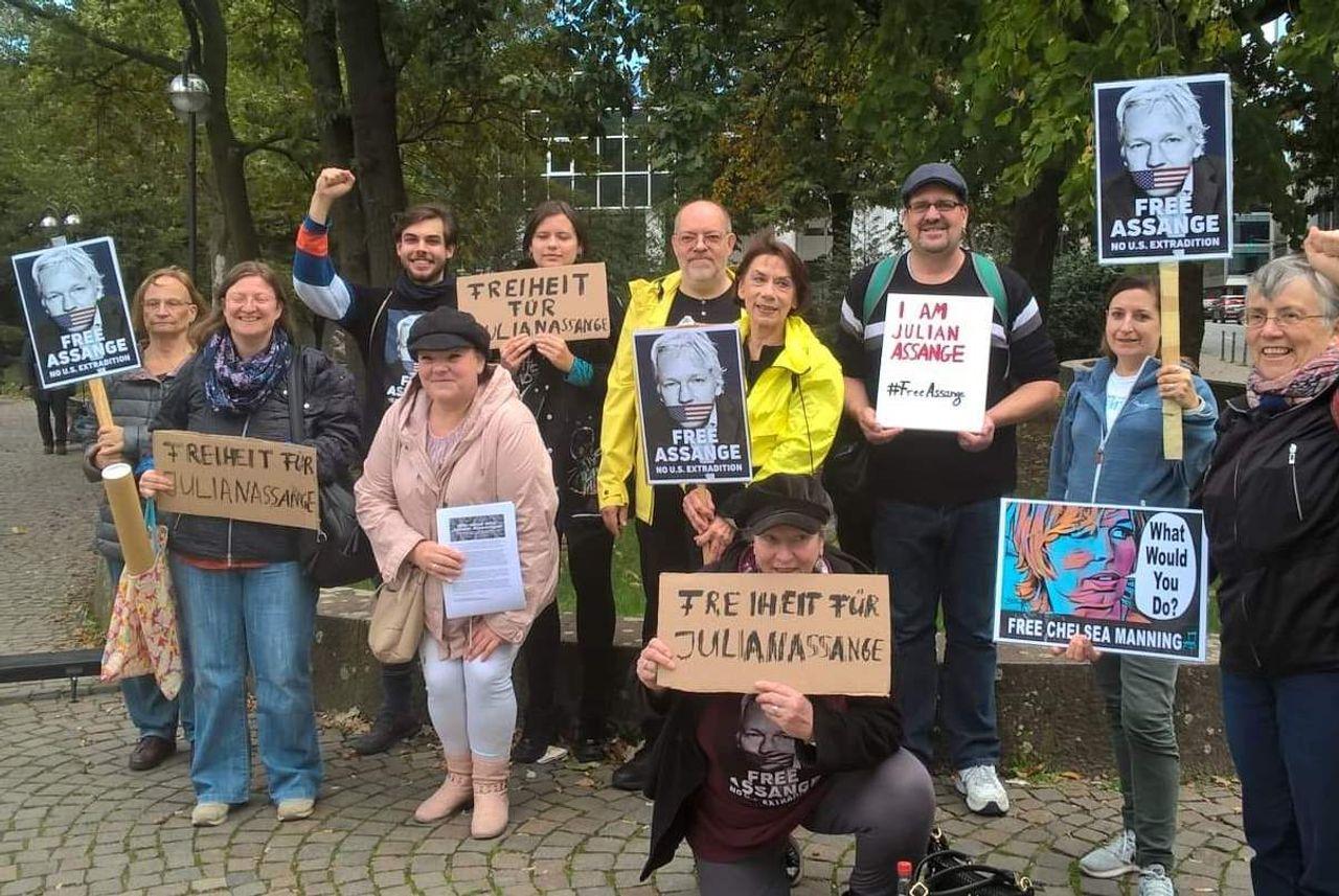 protest_photos:whatwouldyoudogermany.jpeg