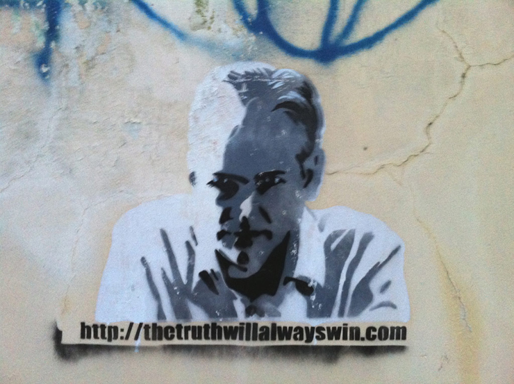 brooklyn-street-art-julian-assange-kamineko-pawz-02-11.jpg