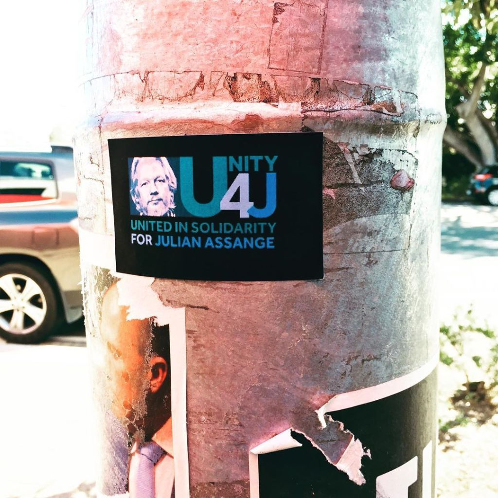 street_art:unity-4j-sticker.jpeg